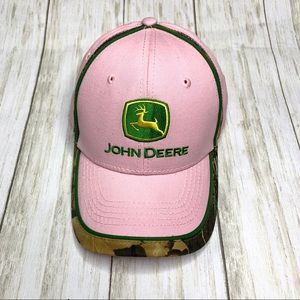 Women's John Deere pink camo trimmed hat. OS